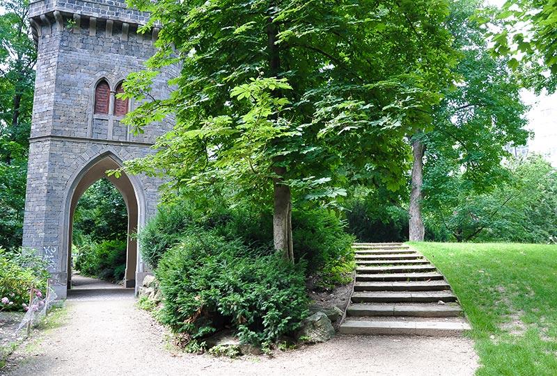 Offizieller Spaziergang im Rothschildpark