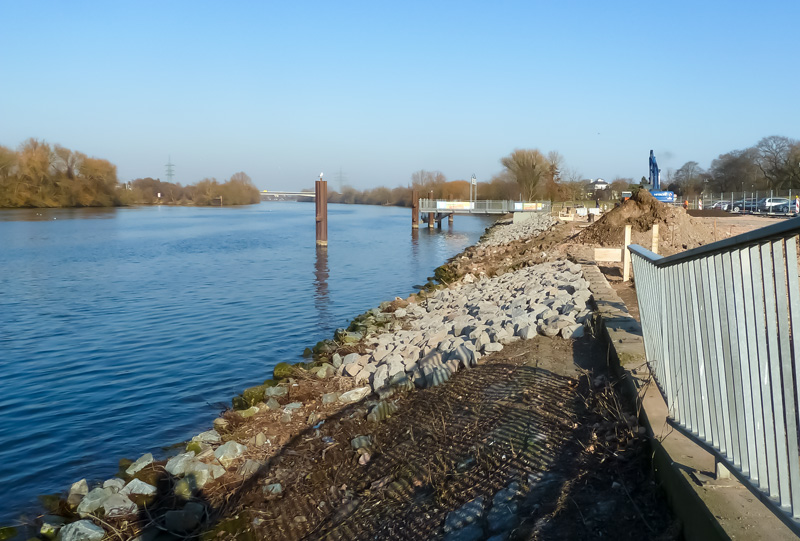 Uferböschung Februar 2017